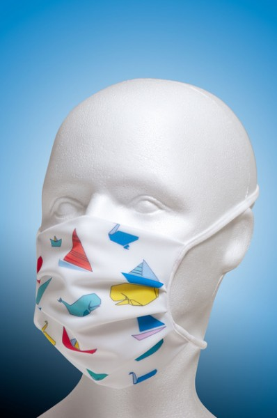 Mund-Nase-Maske Kinder mit Nasenbügel 2-lagig von Hyphen in der weiss bedruckt mit UPF 80
