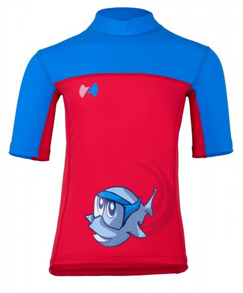 Witziges blau / rotes Kurzarmshirt mit dem coolen Fisch Sapu im Druck. Mag man es lässig und nicht nur zum Baden, eine Nummer größer wählen Eigenschaften Mit dem Höchstwert (UPF 80) zertifiziert nach dem weltweit strengstem UV Standard HighTech Gewirke a